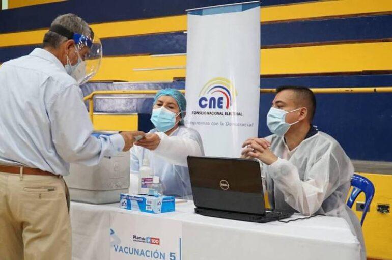 Empieza vacunación para personas con enfermedades crónicas, graves y moderadas
