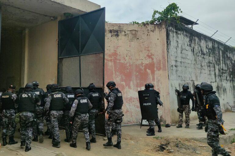 Policía interviene cárcel de Guayaquil