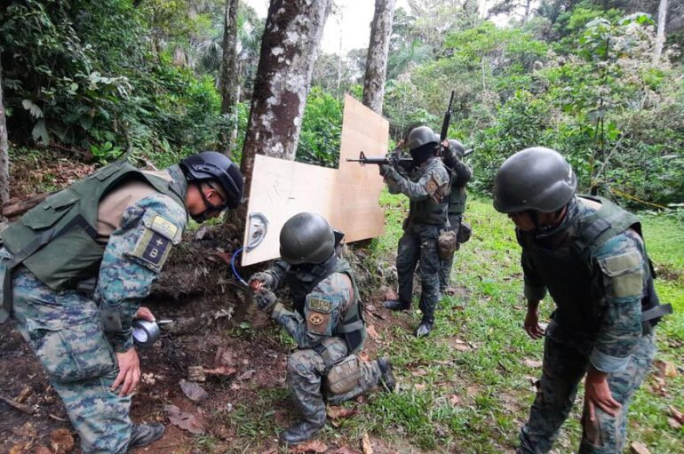 Decomisan material explosivos, droga y dinero en frontera Ecuador – Colombia