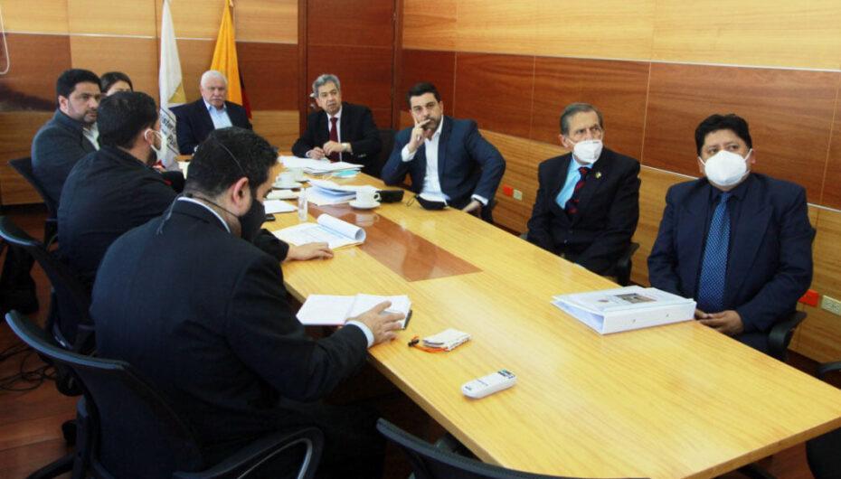 Autoridades tratan ampliación de la vía Loja – Catamayo.
