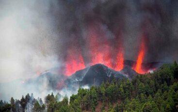 Entra en erupción el volcán Cumbre Vieja, en isla La Palma, España