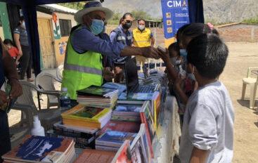 Más de 50 tipos de semillas se entregaron a los moradores y estudiantes del barrio Catamayito.